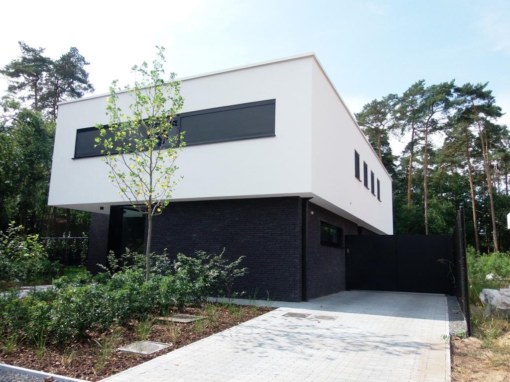 Woningbouw realisaties architect moderne woningen villa 39 s van calster moons for Afbeelding van moderne huizen